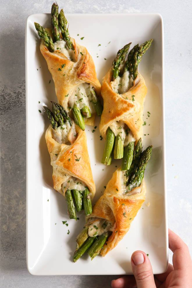 ASPARAGUS, PANCETTA AND PUFF PASTRY BUNDLES